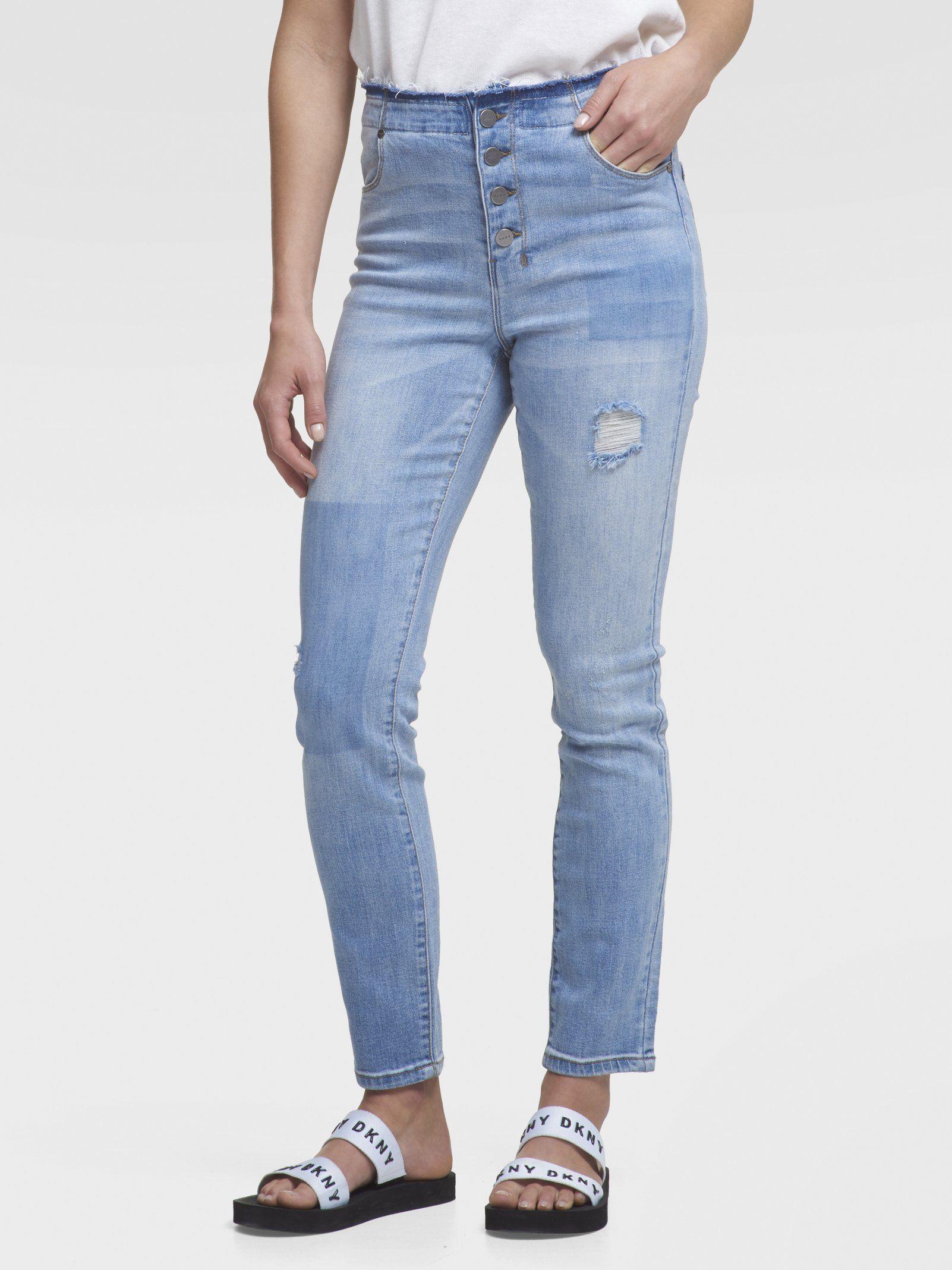 Укороченные джинсы прямого кроя с потертостями от DKNY